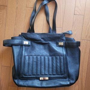 Kelci Dagger Leather Shoulder Bag (Black)